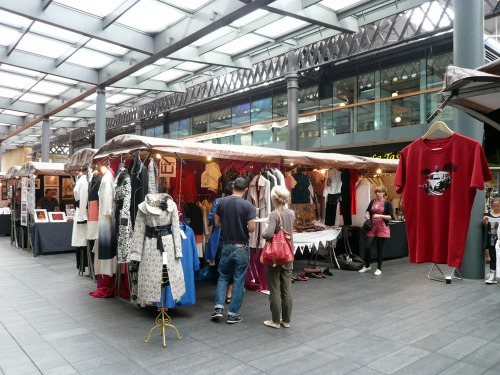 Spitalfields – Fashion stool
